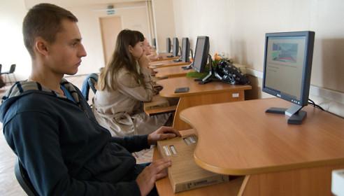 В России предлагают выдавать водительские права с 16 лет