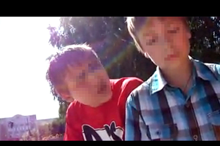Молоденьким мальчика очень дрочить видео член