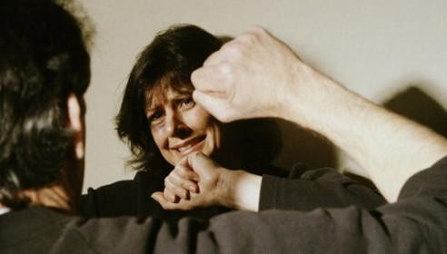 Семейных дебоширов будут наказывать рублем