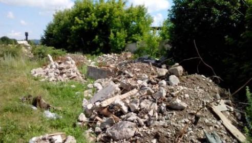 Татарский вал в Тамбове завалили мусором