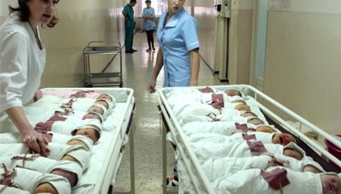 В России предлагают отменить материнский капитал