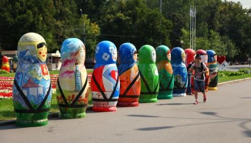 Парад матрешек в Сокольниках
