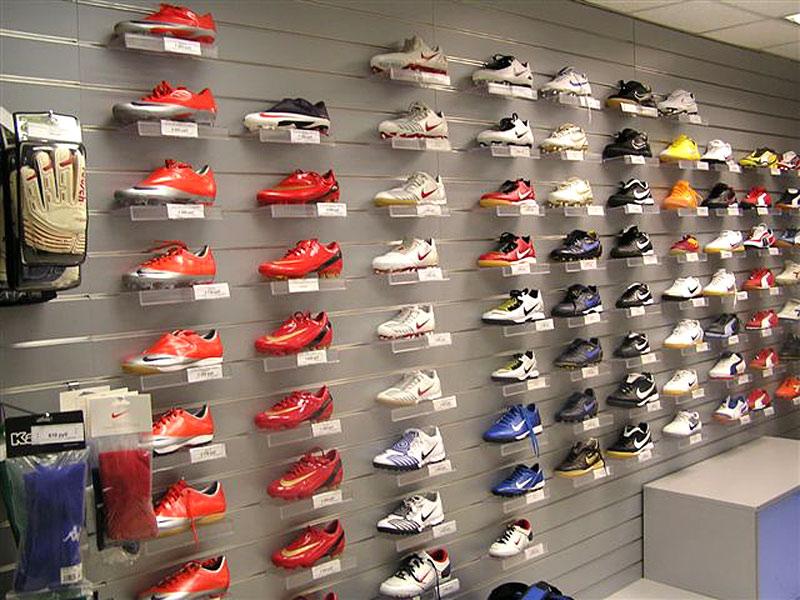 Магазин кроссовок