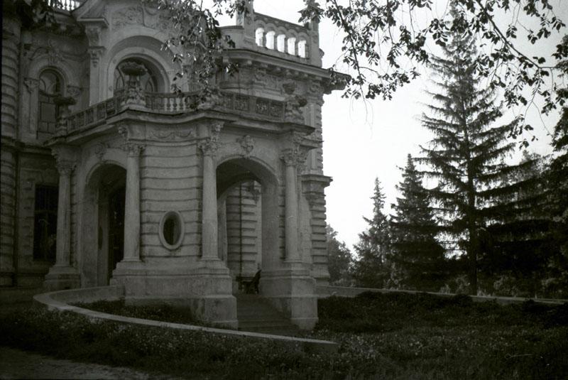 Дворец фабриканта Асеева в Тамбове. Фото В.Г. Шпильчина. 1950