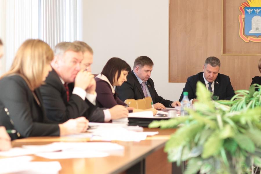 Четверть бюджета пойдет на образование. Депутаты Тамбовской облдумы.
