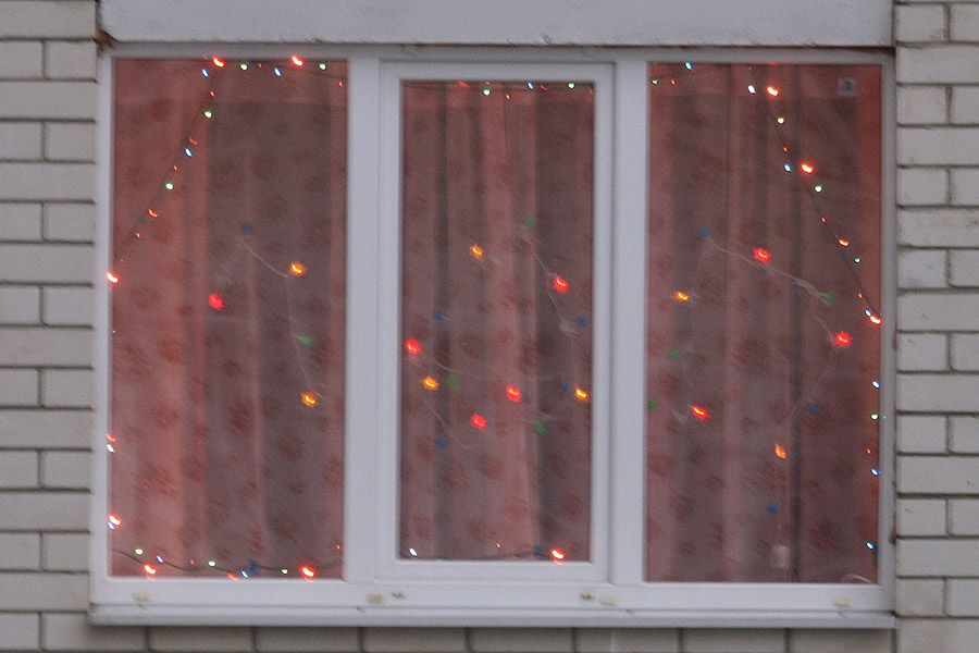 Окно в доме на Северо-Западной
