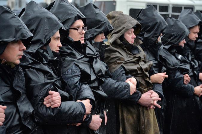 Сотрудники правоохранительных органов. © Илья Питалев/РИА Новости