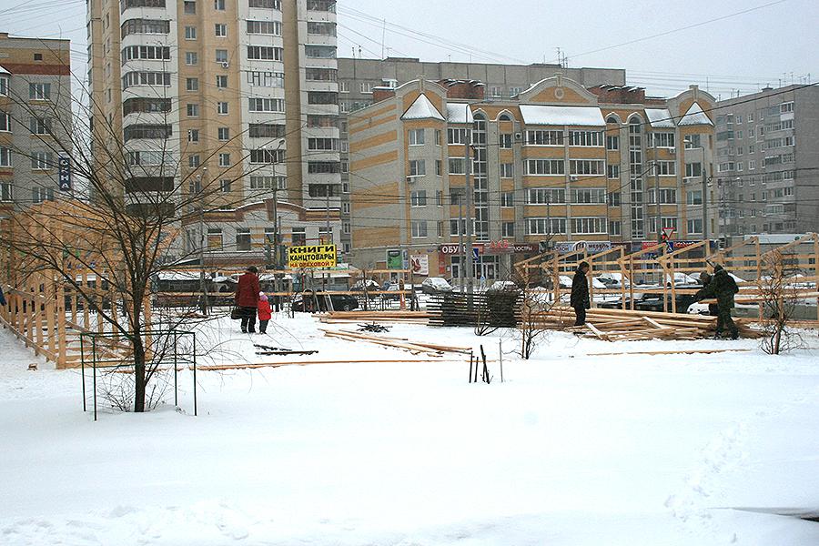 Строительство офиса на углу Ореховой и Чичерина