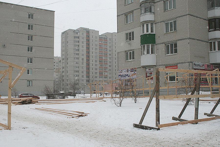 Строительство офиса на углу Чичерина и Ореховой