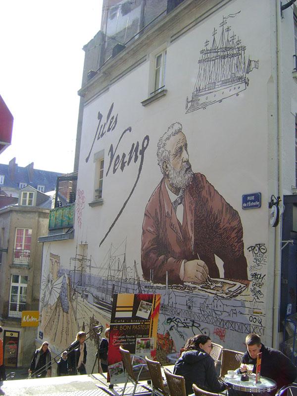 Настенная фреска Жюля Верна в Нанте