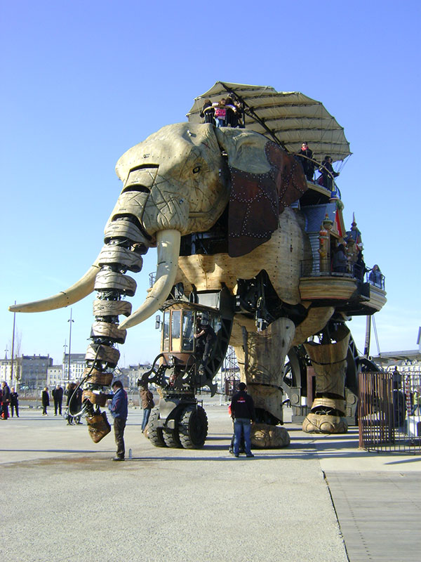 Механический слон во французском Нанте