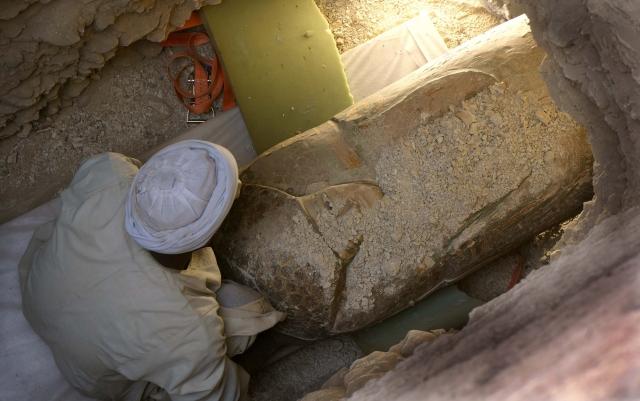 Саркофаг с мумией возрастом 3,6 тысяч лет