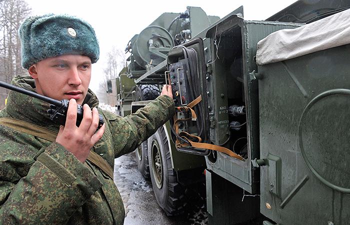 Военнослужащие будут привлечены к внезапной проверке боевой готовности Западного и Центрального военных округов Фото: РИА Новости