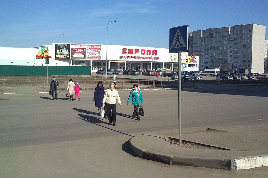 Пешеходный переход у Европы на Рылеева