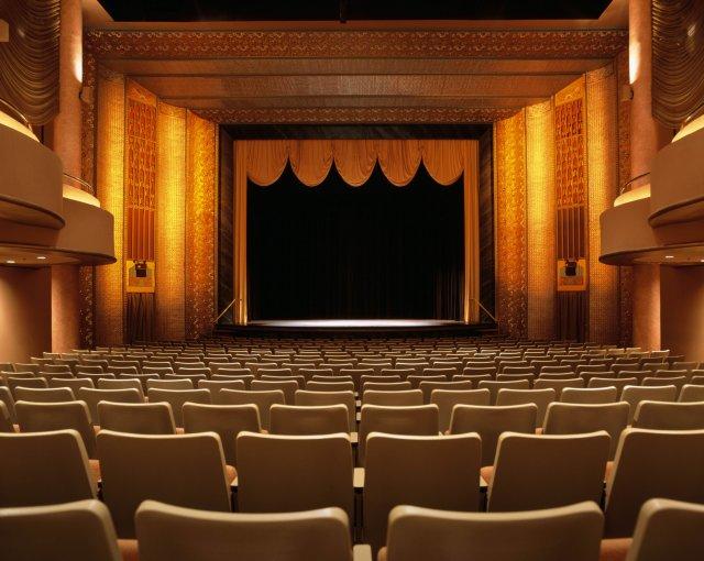 Реконструкция Молодежного театра завершится в этом году