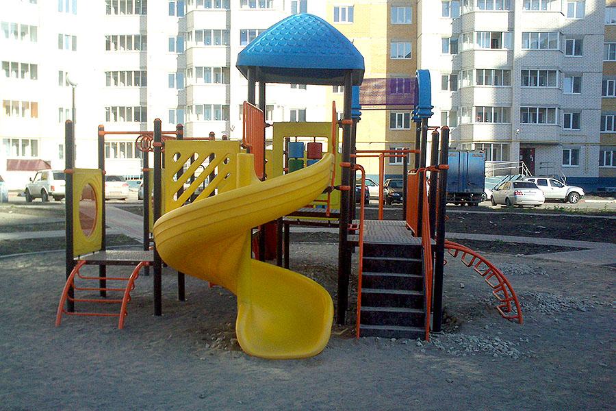 Детская площадка во дворе на Агапкина