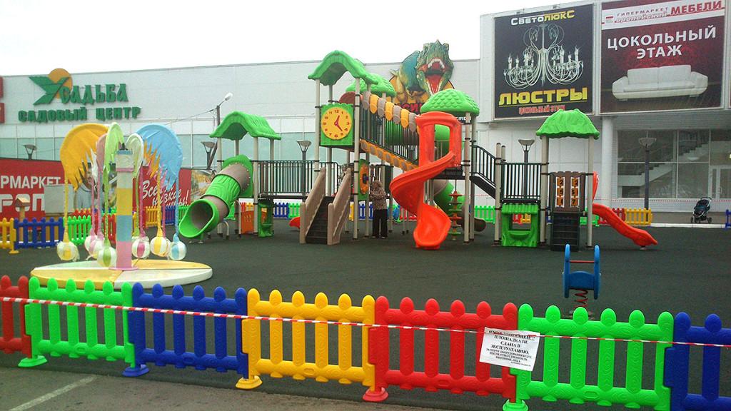 Детская площадка на Рылеева