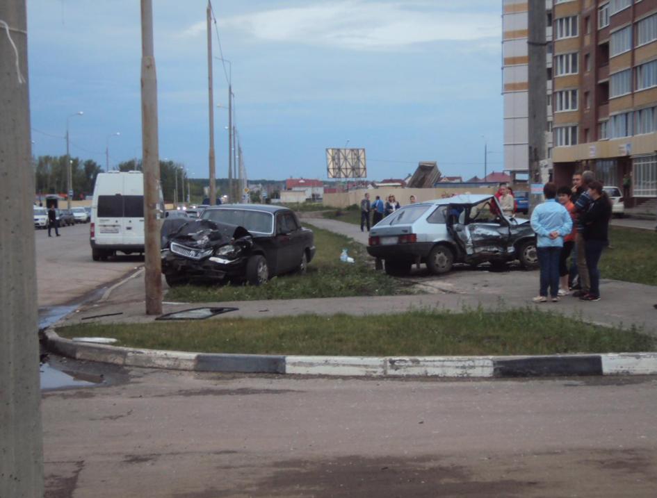 Авария на улице Агапкина 21 июня 2014 года