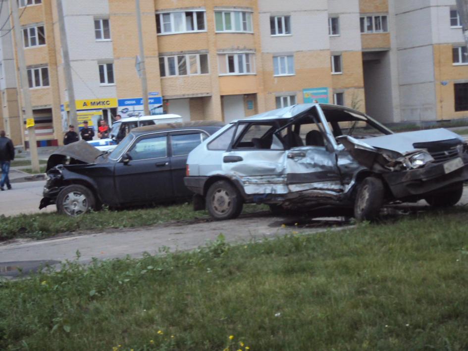 Авария на углу Агапкина и Победы 21 июня в Тамбове