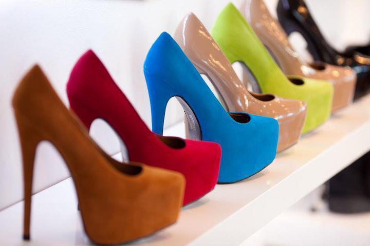 de7fbf72 Депутат Госдумы предлагает запретить в рамках Таможенного союза «вредную»  обувь – кеды, балетки и туфли на высоких каблуках-шпильках.