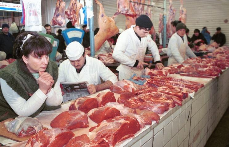 Рынок, мясные ряды. Фото ИТАР-ТАСС.