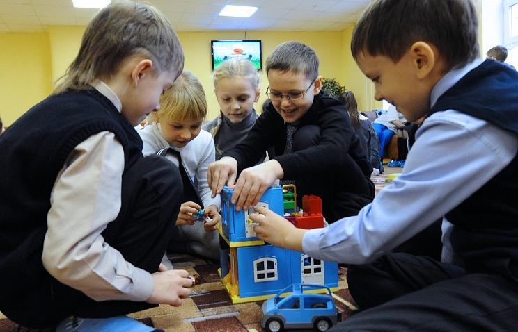 Воспитание детей в России. Фото ИТАР-ТАСС