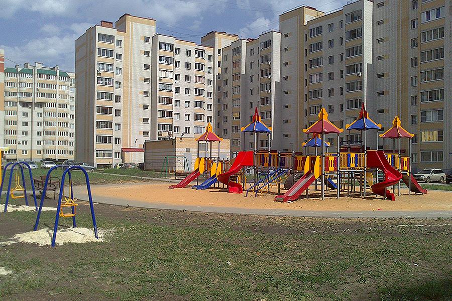 Детская площадка на Победы, 10-12