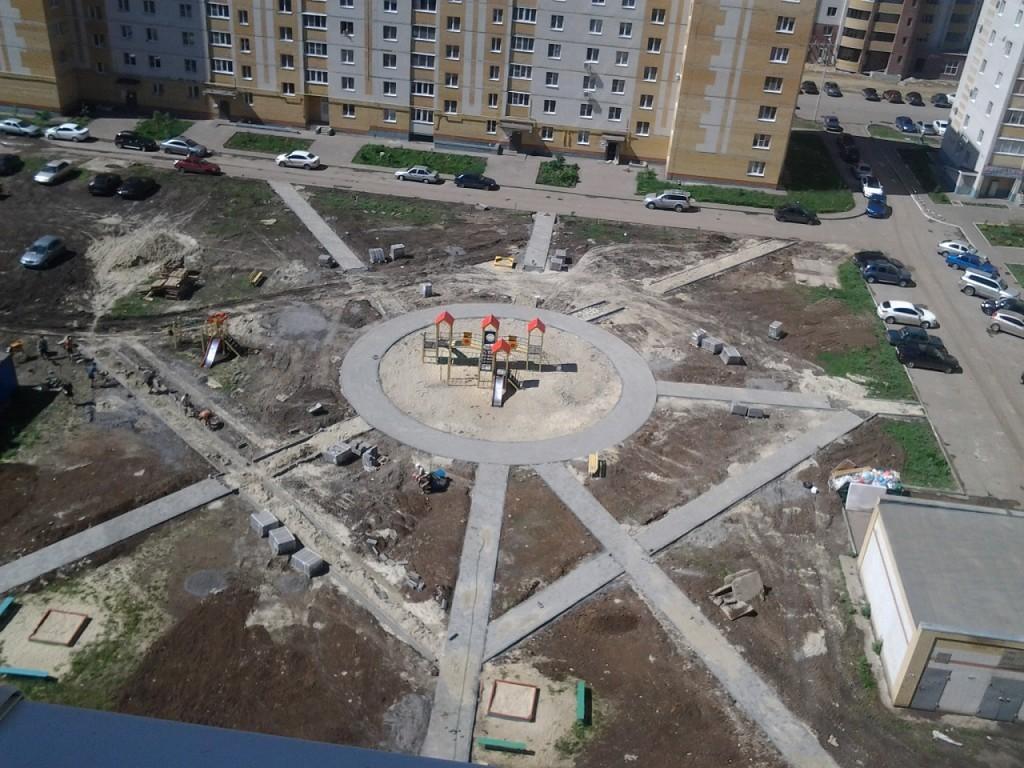 Строительство детской площадки на Северо-Западной, 10-14