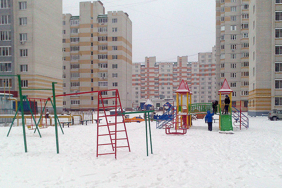 Детская площадка на Победы,7