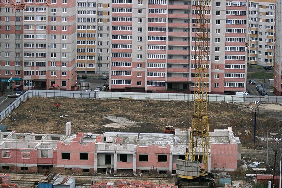Огороженный двор по улице Свободная, 6, 6а, 6б