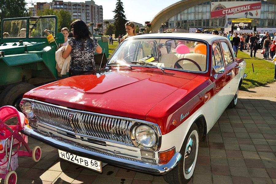 Ретро-выставка авто