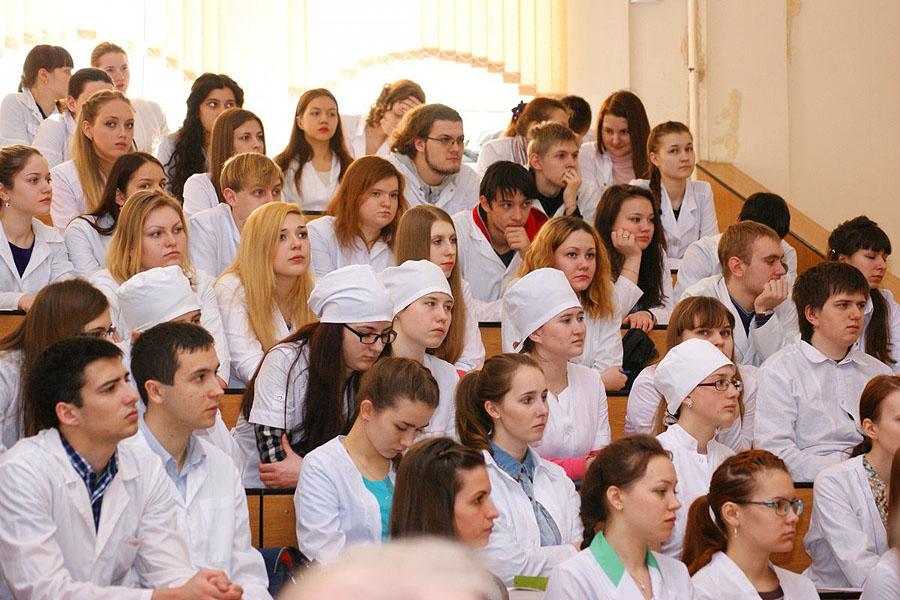 Студенты-медики
