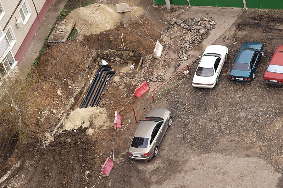 """МУП """"ТИС"""" пытается проложить теплотрассу через дворовую территорию дома №30В по улице Чичерина"""