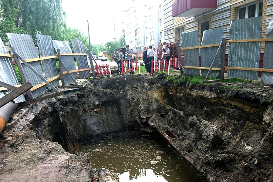Ремонт коллектора на Шацкой. Фото ОнлайнТамбов.ру