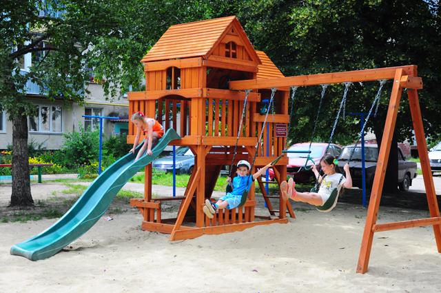 """Детская площадка на Социалистической. Фото """"Твой Тамбов"""""""