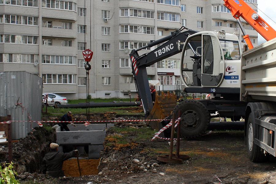 """МУП """"ТИС"""", прокладка тепловых сетей на Ореховой"""
