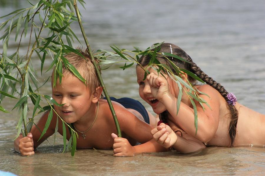 Плавание на речке