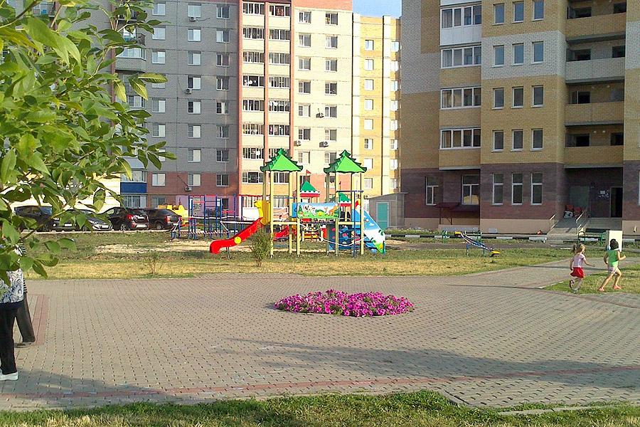 Детская площадка во Французском сквере