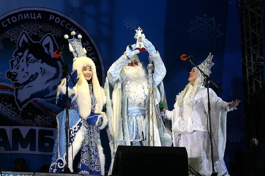 Якутская Снегурочка и тамбовские Дед Мороз и Снугерочка
