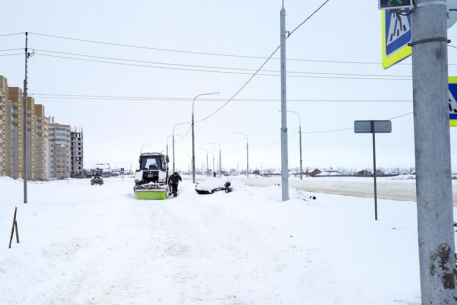 Расчистка снега на Рылеева
