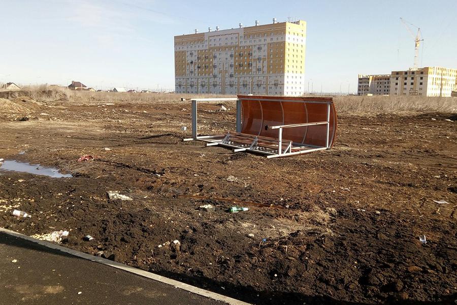 Остановка общественного транспорта на Рылеева