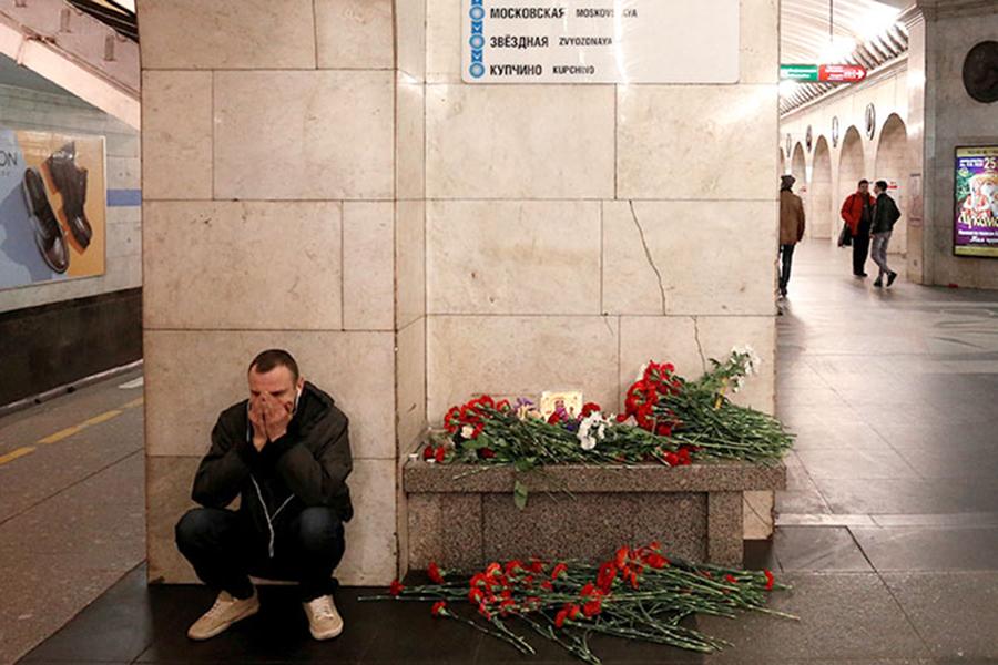Трагедия в питерском метро. Фото Коммерсант.ру