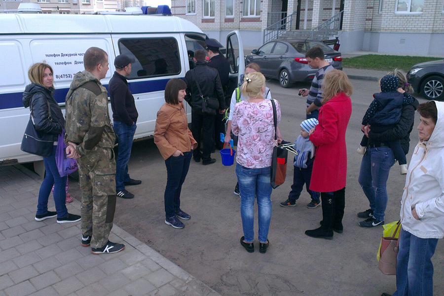 Жители вызвали полицию