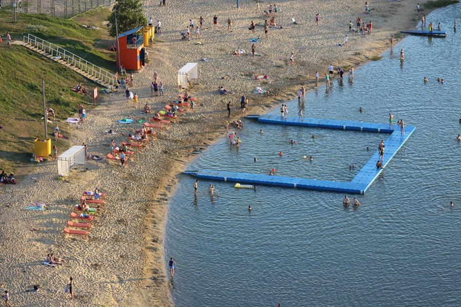 Пляж в Ласковском карьере.