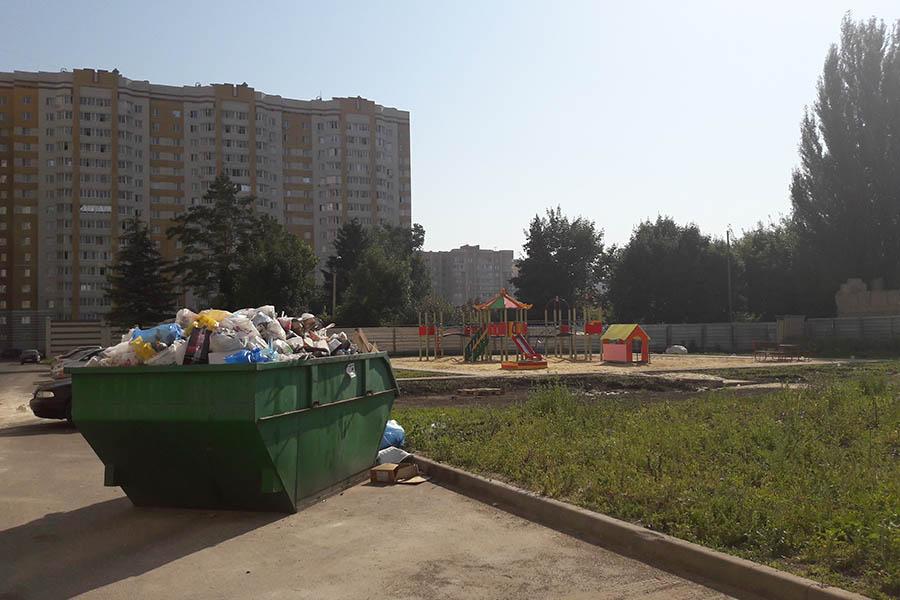 Мусорный бункер на Сабуровской