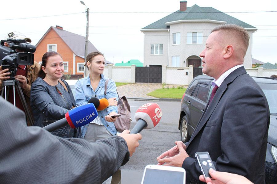 Брифинг у Сколково. Фото информационного управления администрации города.