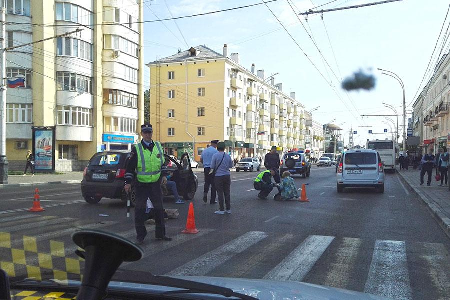 В Тамбове на пешеходном переходе легковушка сбила двух женщин | Новый Тамбов