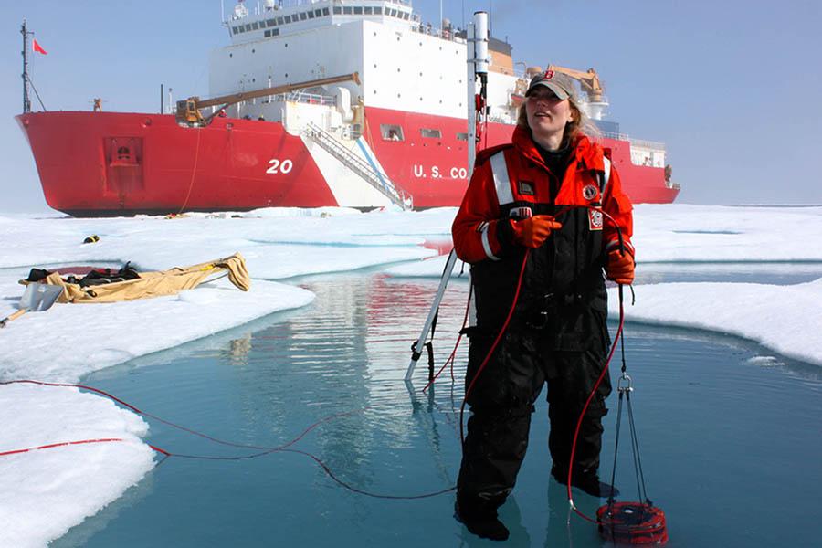 Ученые в Арктике. Фото cimsec.org