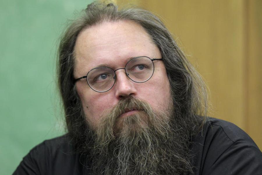 Диакон Андрей Кураев раскритиковал идею присвоить перинатальному ...