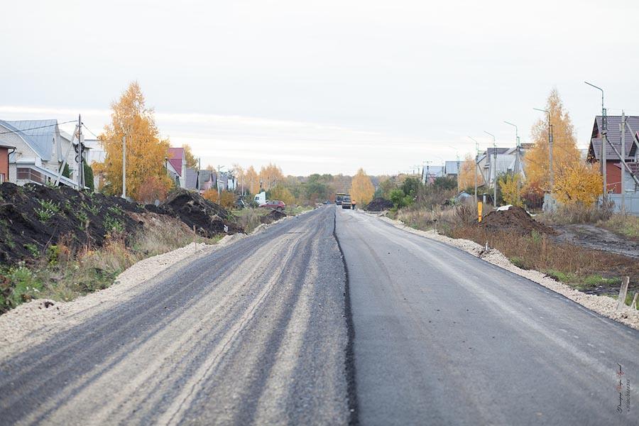 Строительство дорог в Радужном. Фото Игоря Колкова